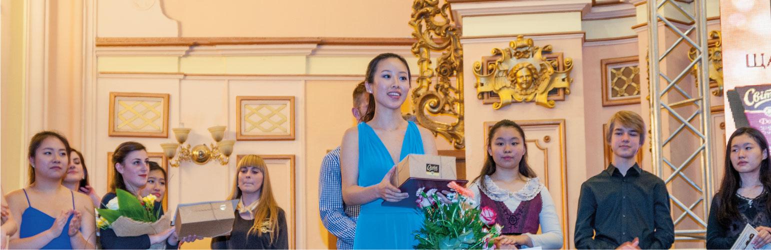 Violinear: 和久井映見さんが第2位 ウクライナ「オレグ・クリサ国際」